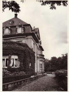 The Eastern leg of the house called Underoak.
